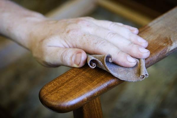 Consejos para restaurar muebles antiguos